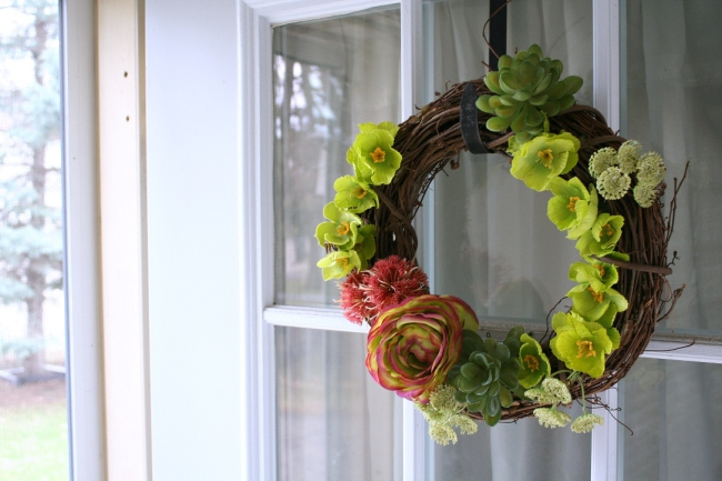 Make your own wreath for summer or spring!